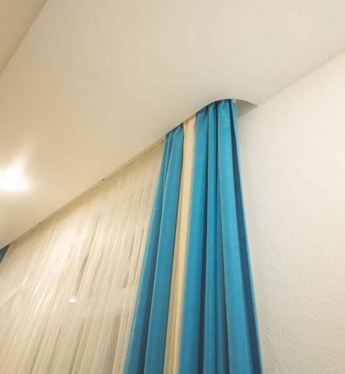 шторы с натяжными потолками фото данный